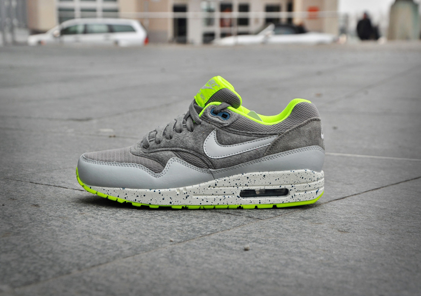 Nike Air Max 1 Canyon Grey & Dusty Grey & Volt