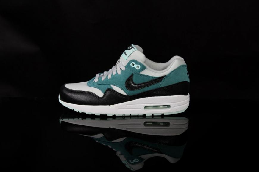 Nike Air Max 1 Essential Dusty Grey & Black & Mineral