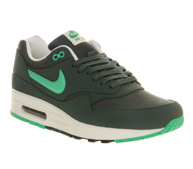Nike Air Max 1 Premium \u2013 Vintage Green \u0026amp; Gamma Green \u0026amp; Black Sail Camouflage