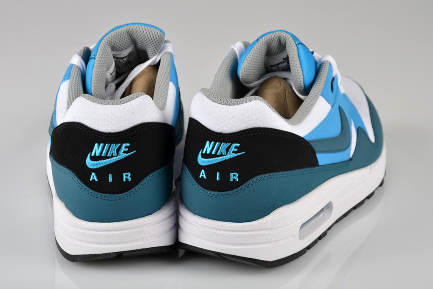 new arrivals 8ac9e 4c3a1 A fresh and awesome palette with white, black and happy blue. Thats the  new Nike Air Max 1 Essential – White  Night Factor  Vivid Blue.