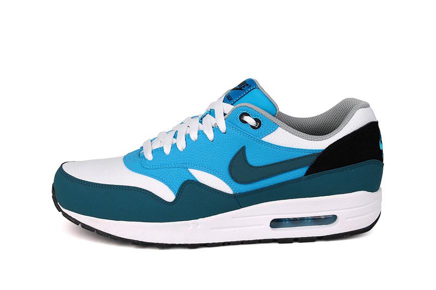 Nieuw Wit Midnight Blauw Ligt Blauw Nike Air Max 1