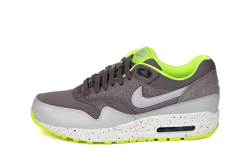 Nike Wmns Air Max 1 Ultra Plush Volt Volt White | Footshop
