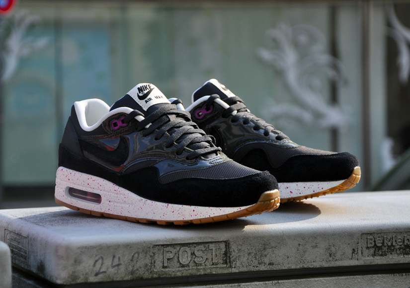 Nike Air Max 1 Essential - Club Pink   Anthracite Black ... 4b816fc877