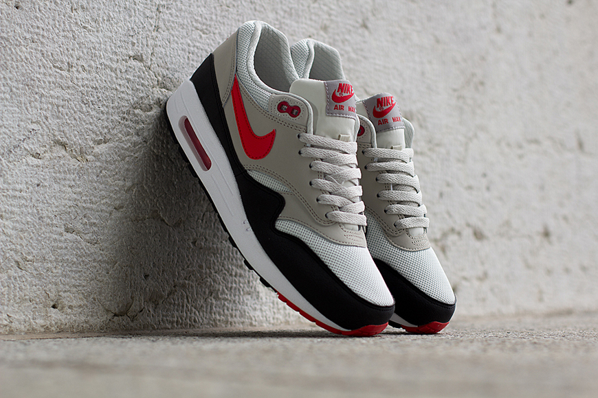 size 40 b0e28 631d6 We always notice how timeless the shoes from the Nike Air Max 1 Essential  collection are. Most of the time they are working with basic colours and  one or ...