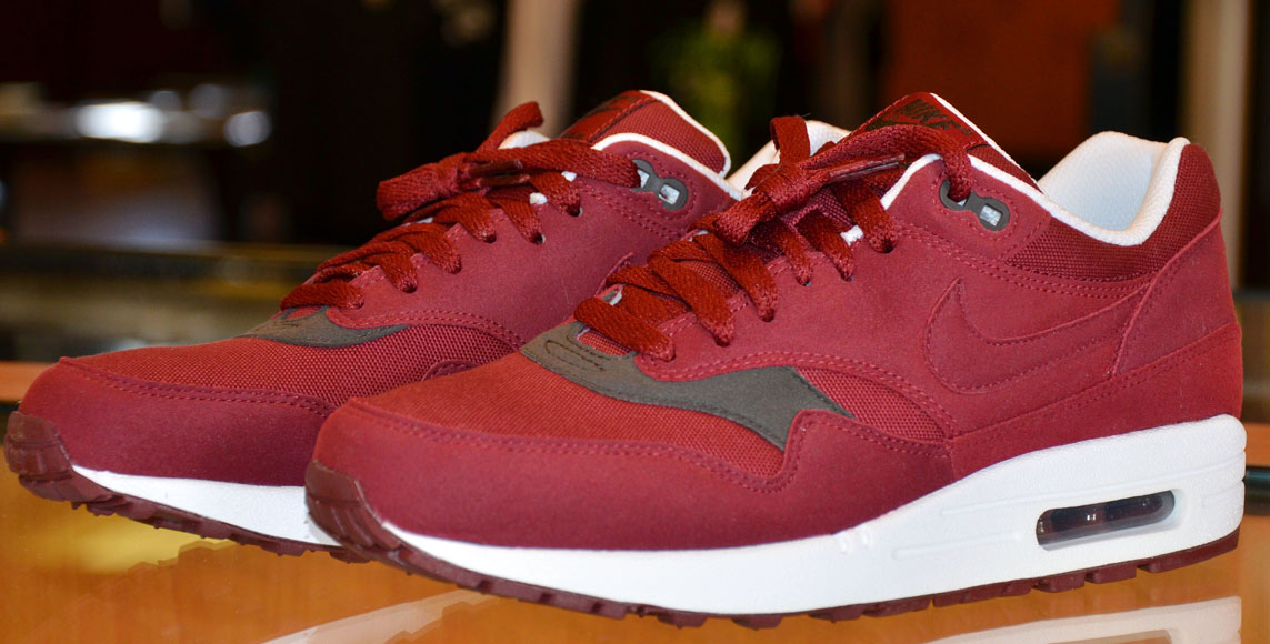 a0d2c6d9962c Nike Air Max 1 – Team Red   Velvet Brown. Bordeaux red is thé colour of  past three winterseasons and we think this trend is here to stay.